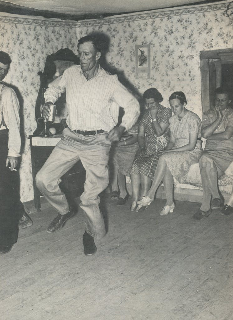Square dancing at home, Pie Town, New Mexico, 1940