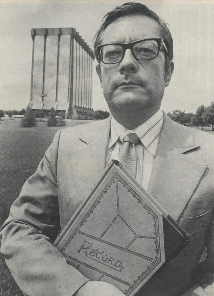 Rovinsky and Zale's building: will the cracks he started break the diamond?