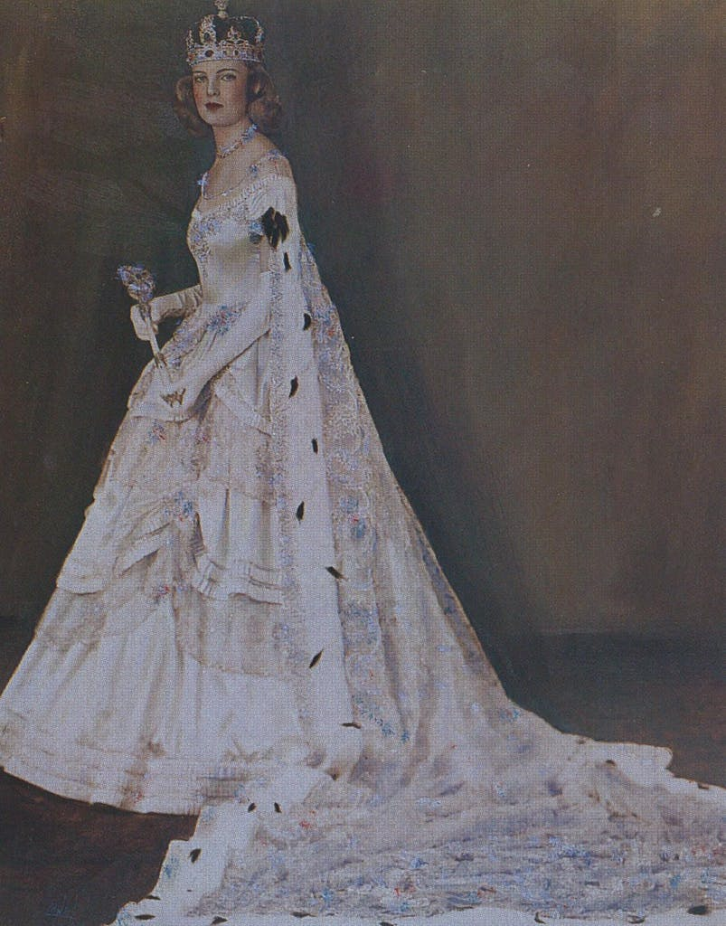 Her Gracious Majesty, Margaret of the House of Barclay, Queen of the Court of the Old South, 1940