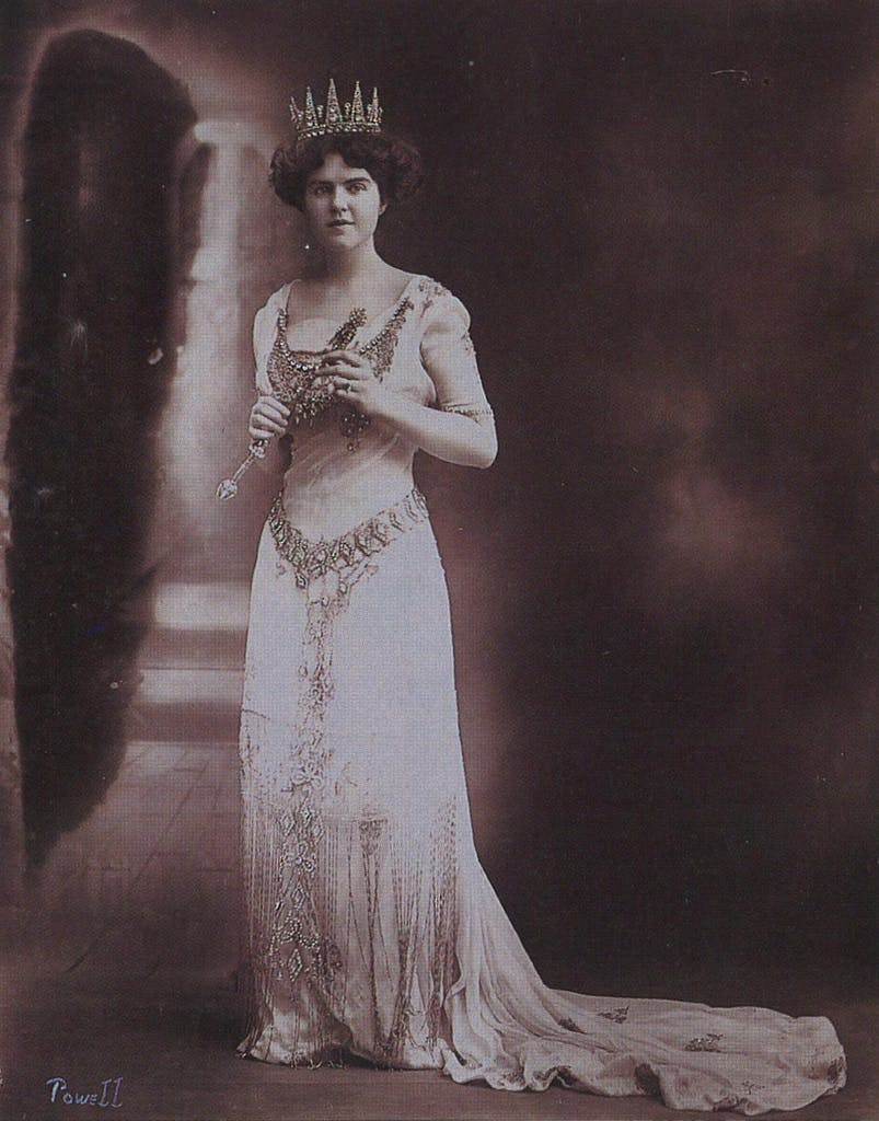 Her Royal Majesty, Nana of the House of Davenport, Queen of the Court of Roses, 1910