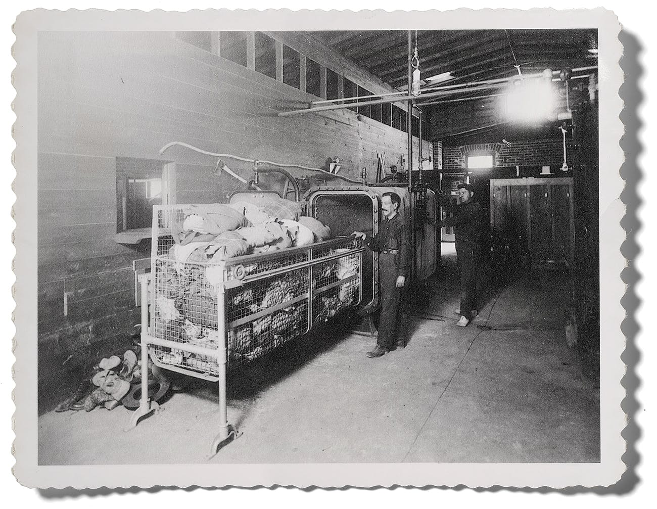 A photograph, dated 1917, of a steam dryer used by public health inspectors at the Santa Fe Street international bridge for people traveling from Juárez to El Paso.
