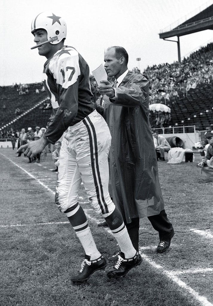 Don Meredith with Tom Landry in 1962.