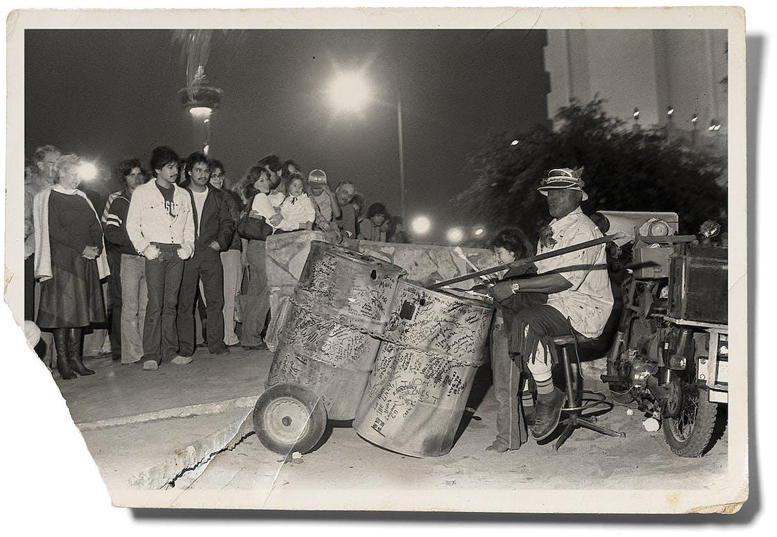 Bongo Joe performing in downtown San Antonio in 1982.