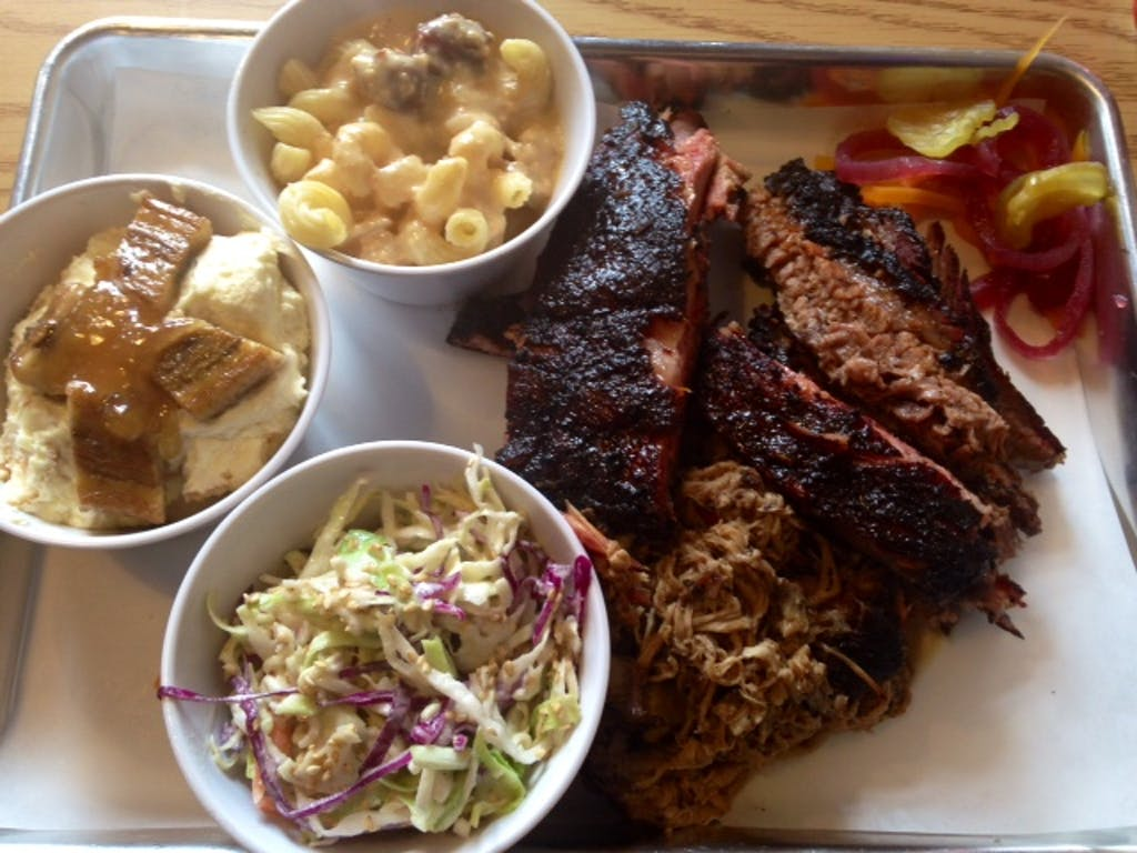 Curly's BBQ 07