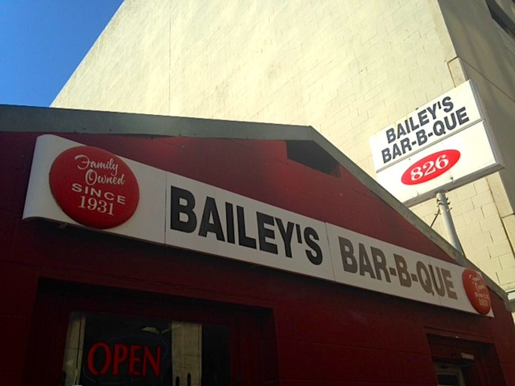 Bailey's BBQ 02