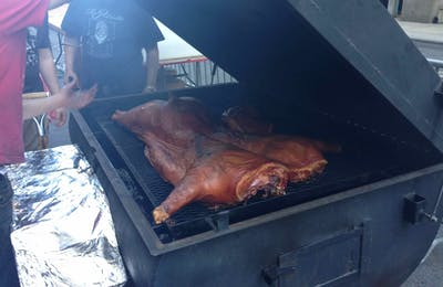 Big Apple Whole Hog08