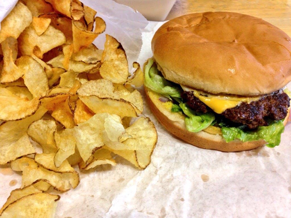 Chucks BBQ Burgers 03