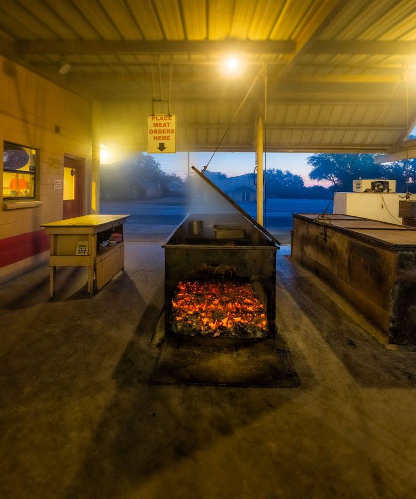 Cooper's _Original_ Pit Bar-B-Q   Mason,Texas-7