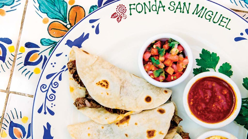 Tacos-Tacos-al-Carbón,-Fonda-San-Miguel-Austin