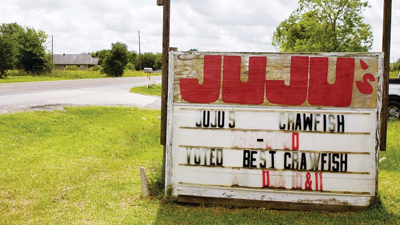 feature-crawfish-sign-outside-JuJus