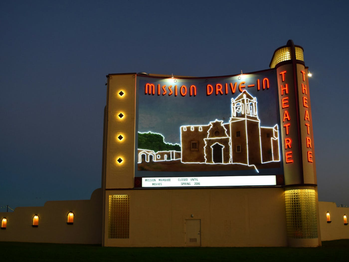 Texas S Last Great Drive Ins Texas Monthly