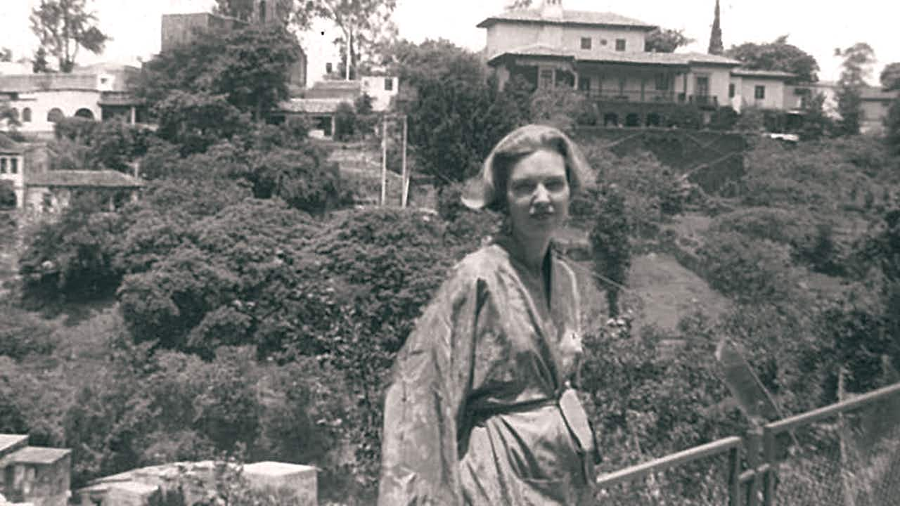Hood, photographed in Mexico in the forties.