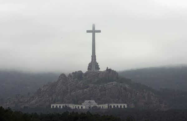 Valle de los Caidos cross