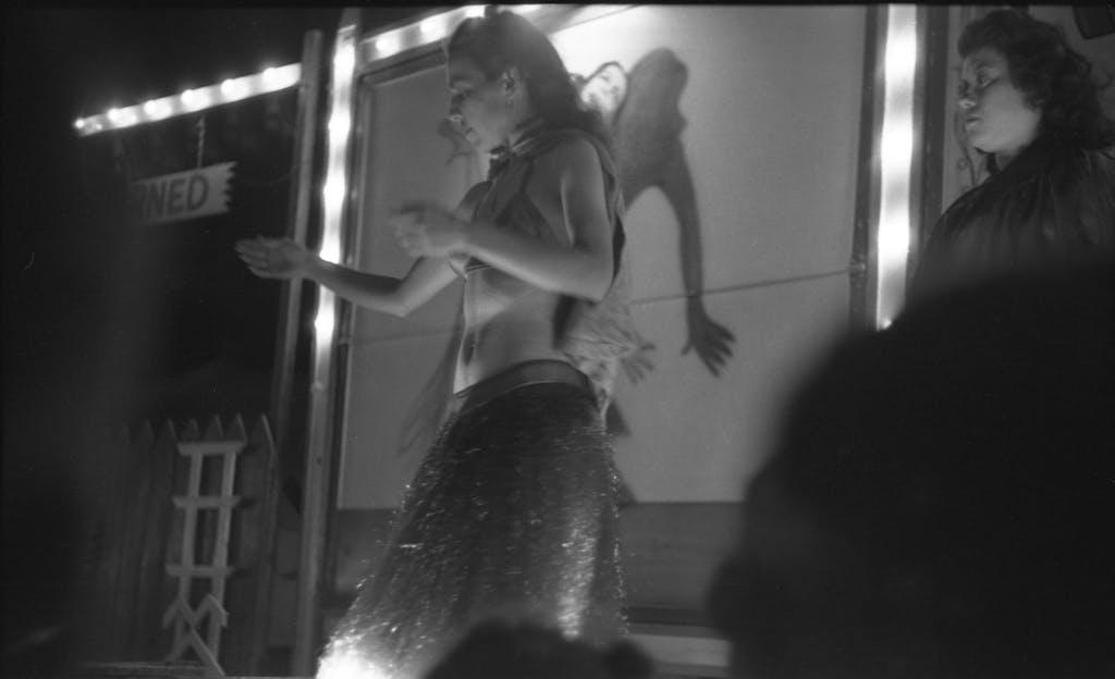 019-great-depression-burlesque