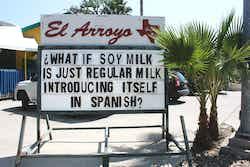 El Arroyo sign