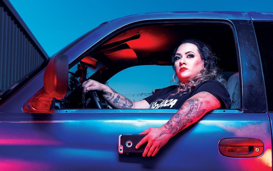 Lagordiloca in her car