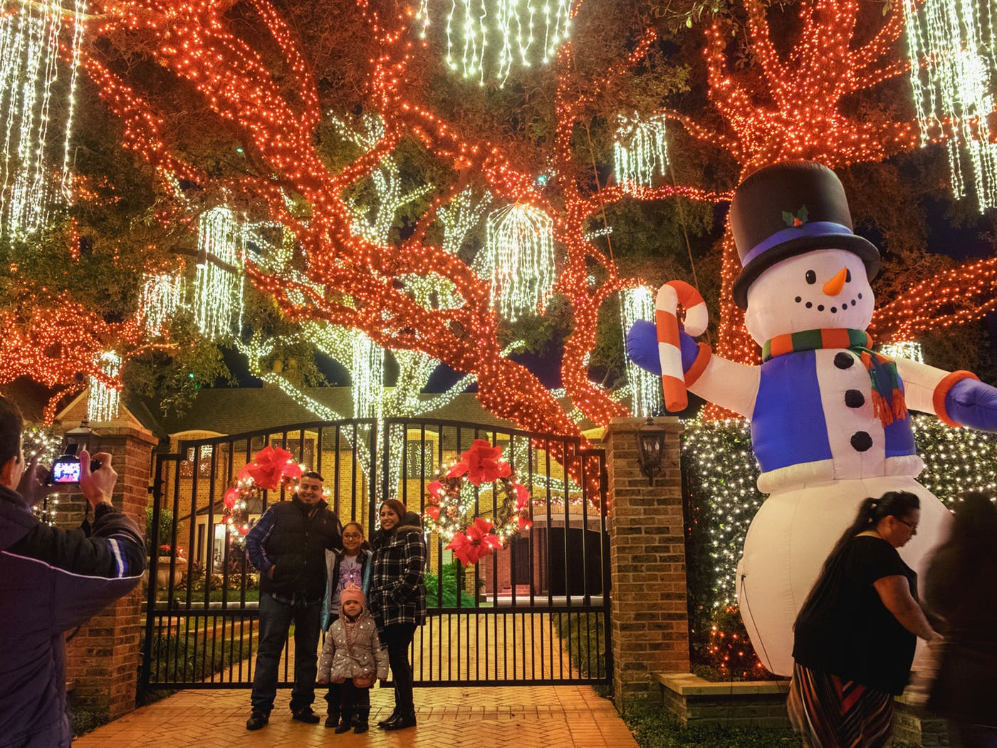 Merry and Bright in Houston's River Oaks – Texas Monthly