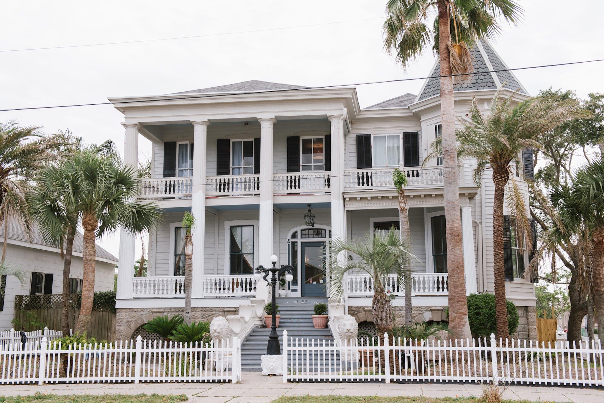 Carr Mansion