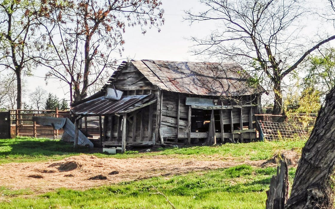 An old structure in Rusk County posted in the Abandoned East Texas Facebook group.