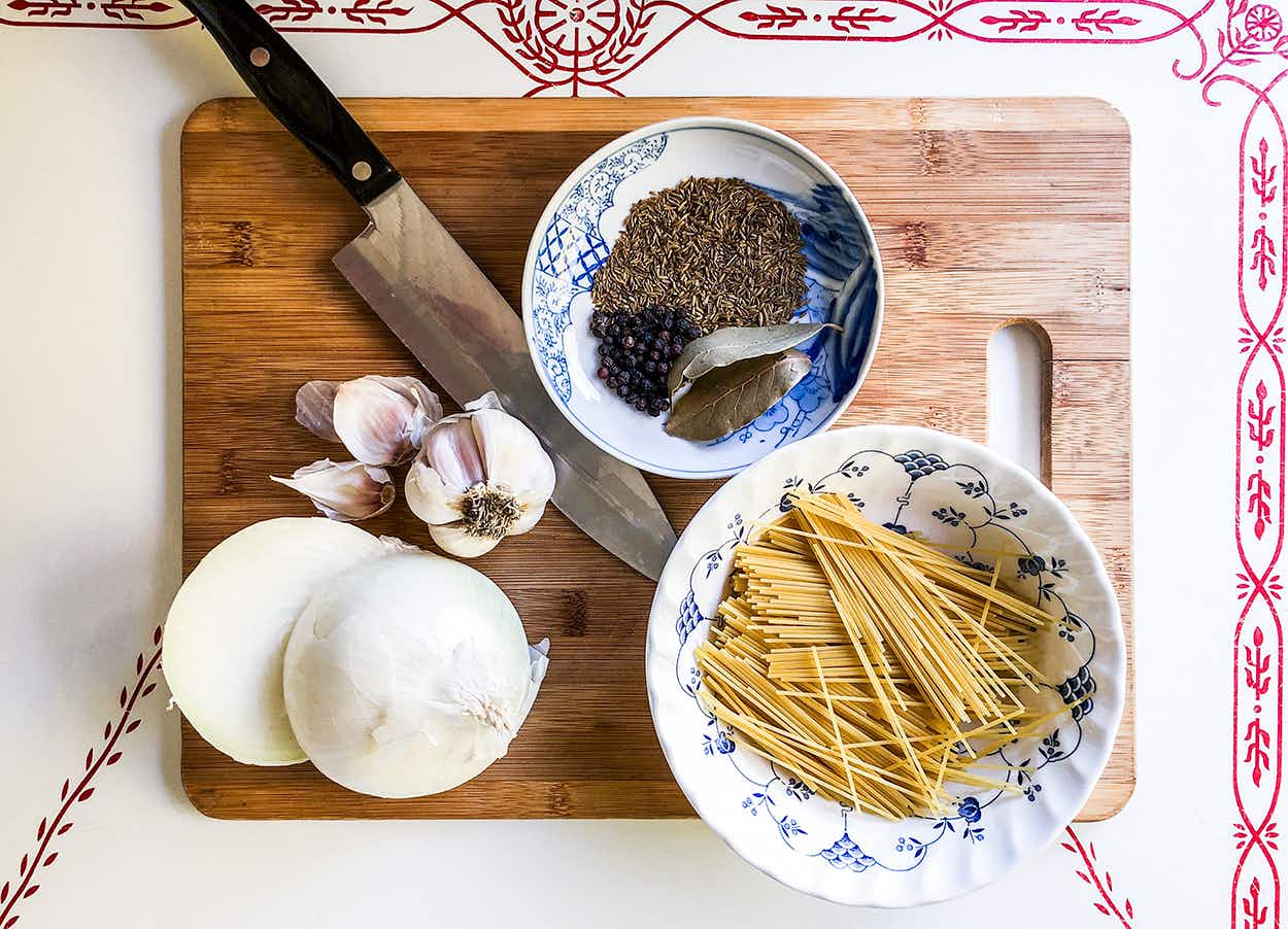 ingredients to make fideo