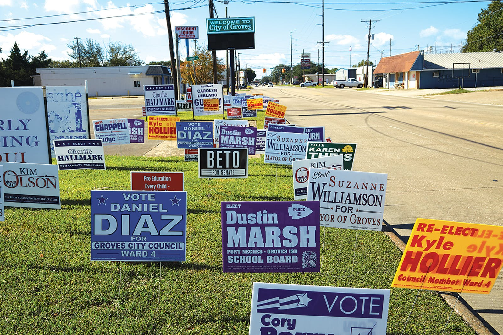 Lawn signs on 39th Street promoting candidates for the upcoming election.