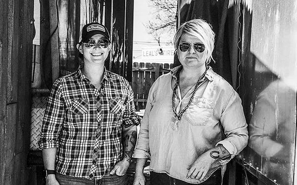 Co-owners Ali Clem and LeAnn Mueller of la Barbecue.