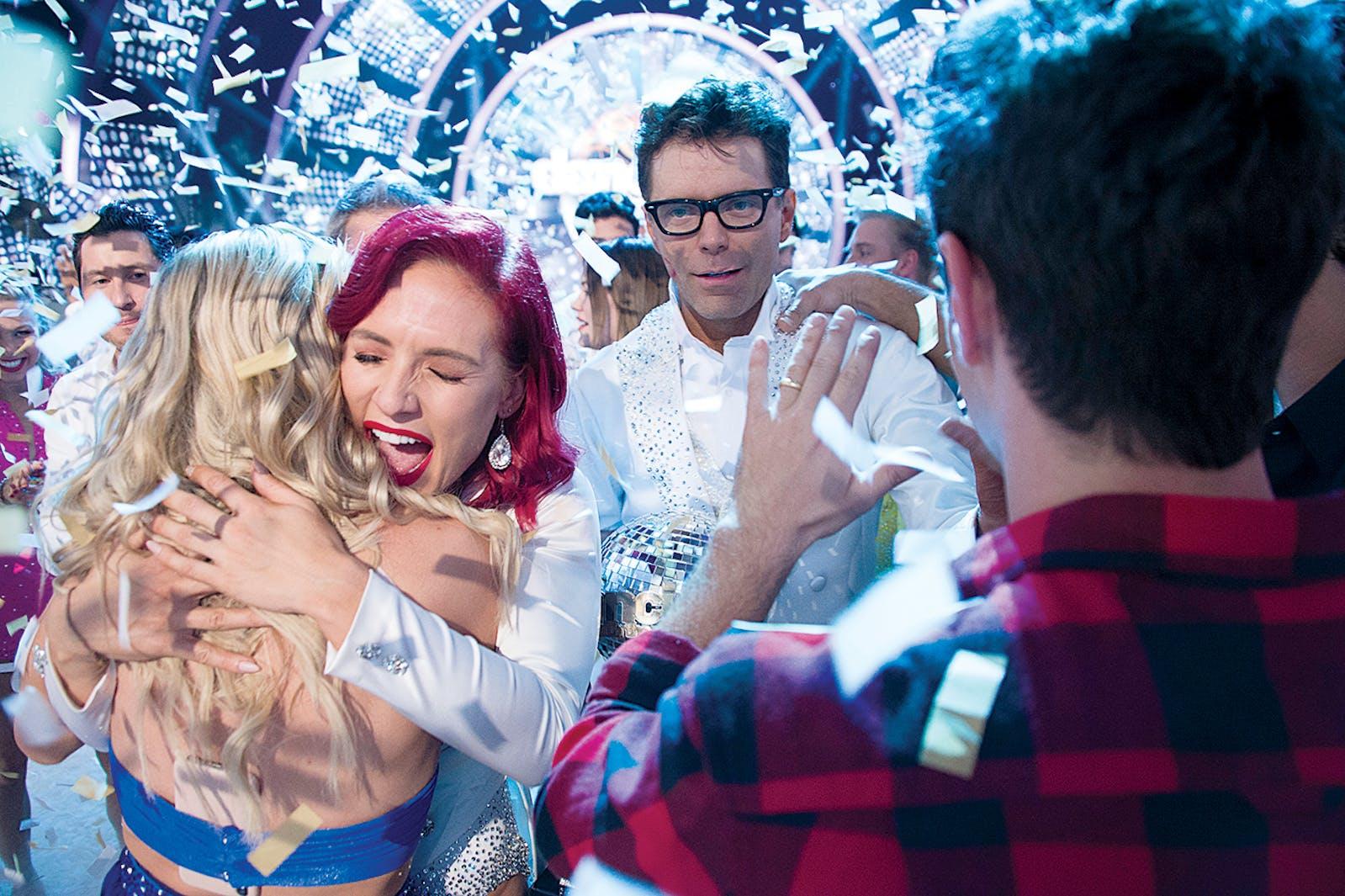 The radio DJ winning Dancing With the Stars on November 19, 2018.