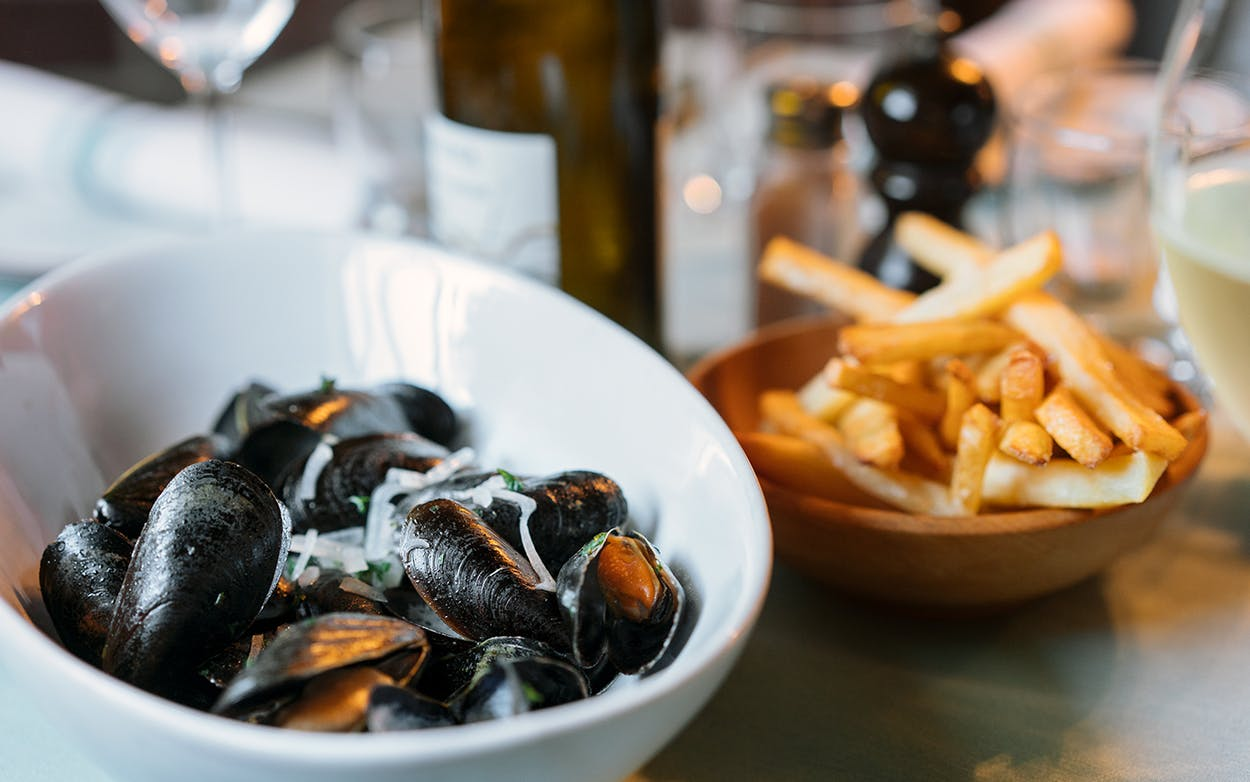 The mussels, in a gewürztraminer broth.
