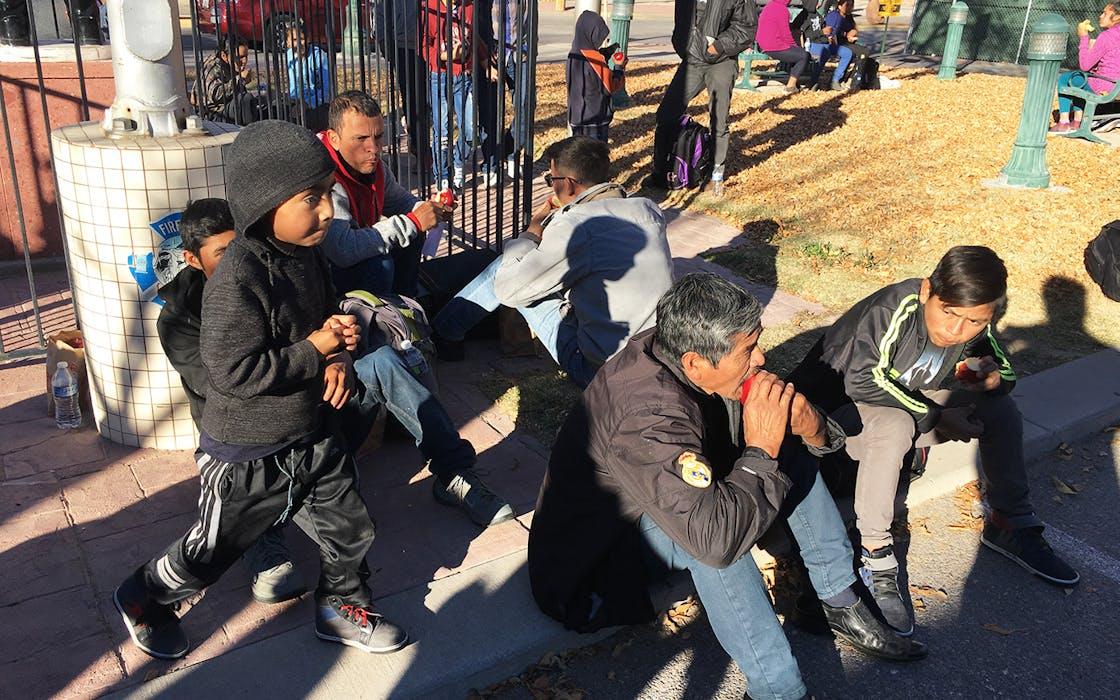 migrant families in El Paso