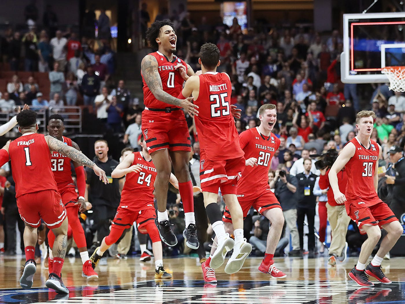 A Handy Guide To Hopping On The Texas Tech Basketball Bandwagon Texas Monthly