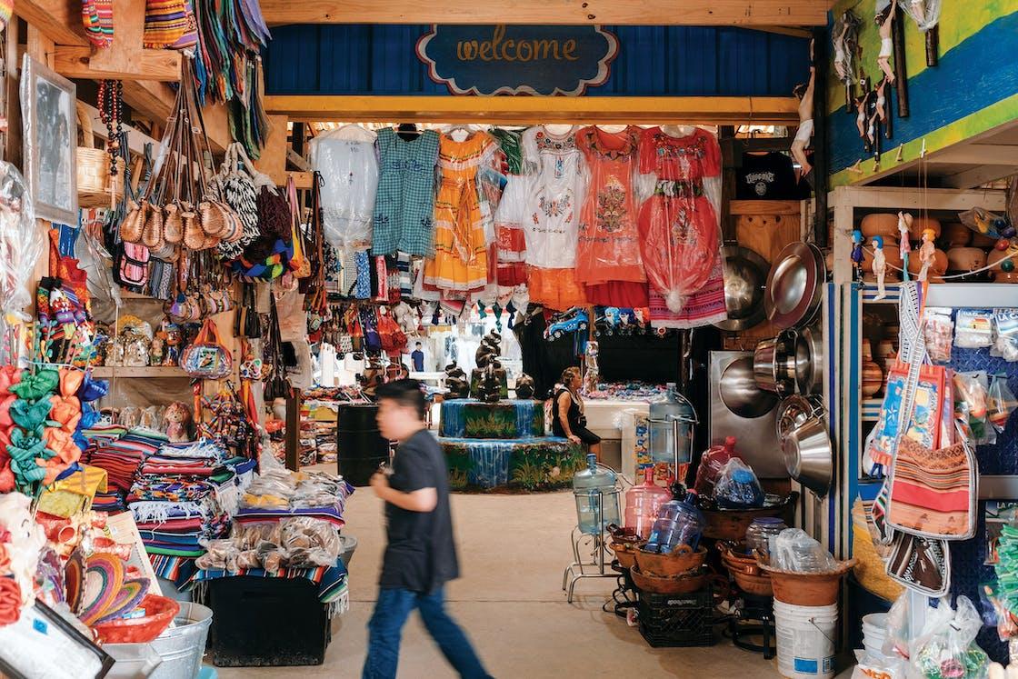 Sunny Flea Market