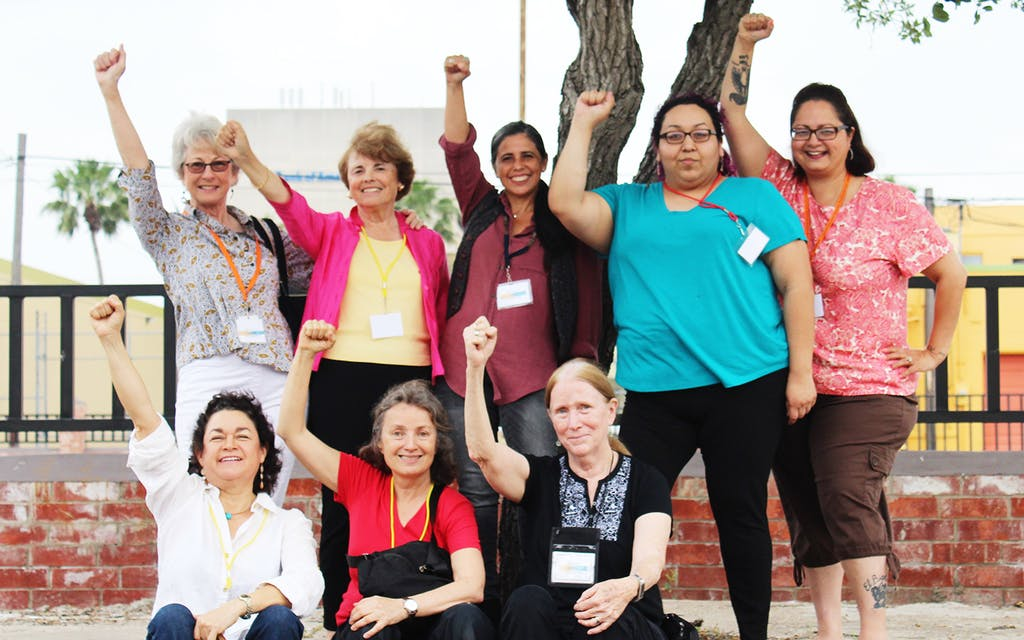 The Angry Tias y Abuelas Are Feeding and Fighting for Asylum Seekers at the Border
