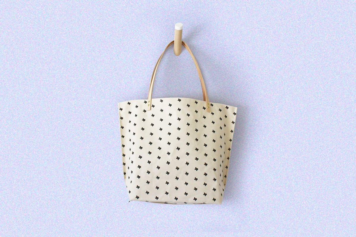 texas GIFT GUIDE 1119 texas mothly tote