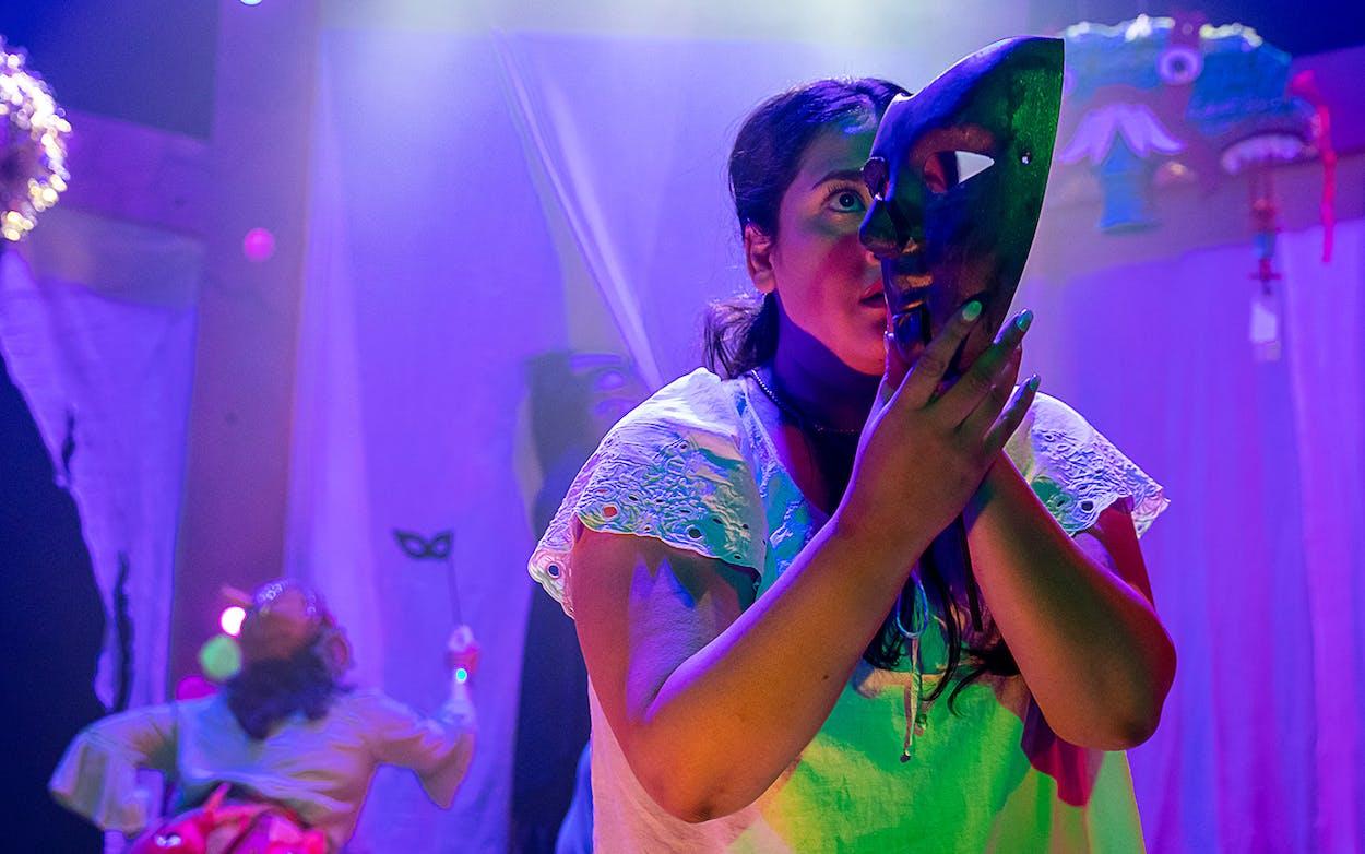 Actor Lori Navarrete in Mas Cara at FuturX..