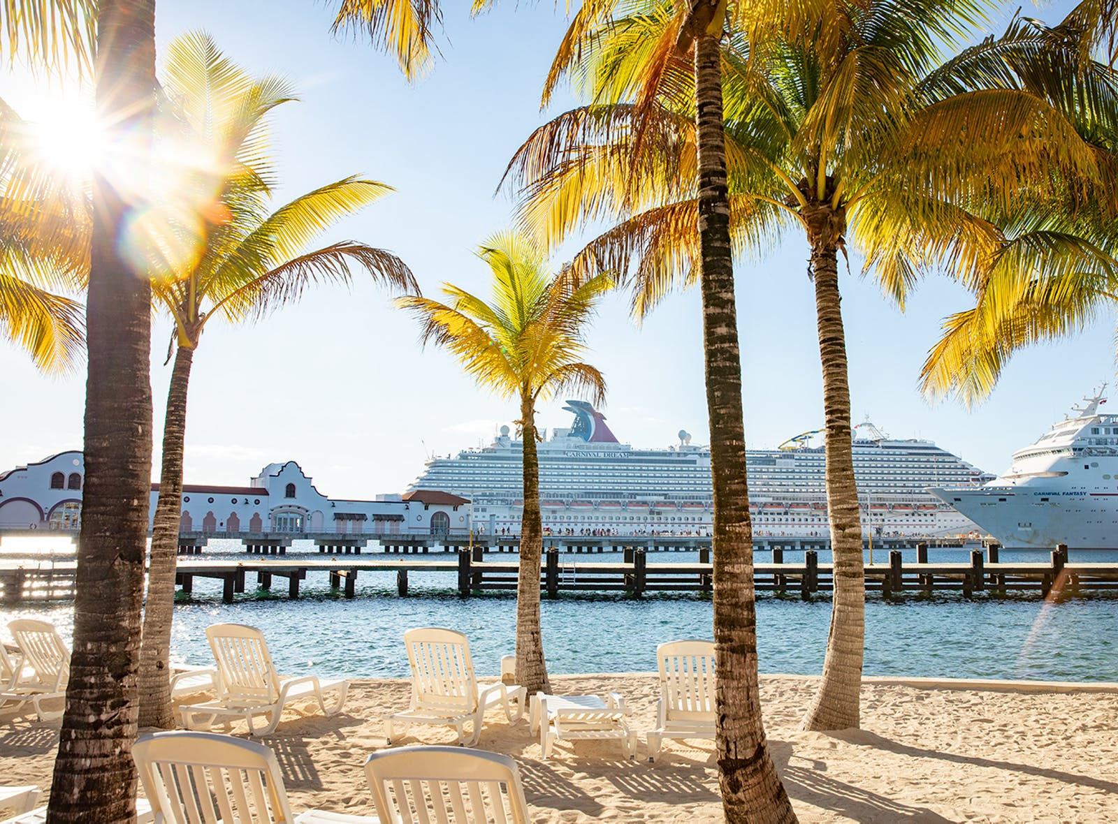 carnival cruise Cozumel palm trees and cruise ships
