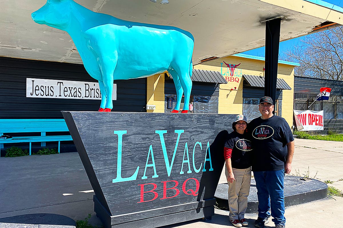 LaVaca-bbq-owners-exterior-shot
