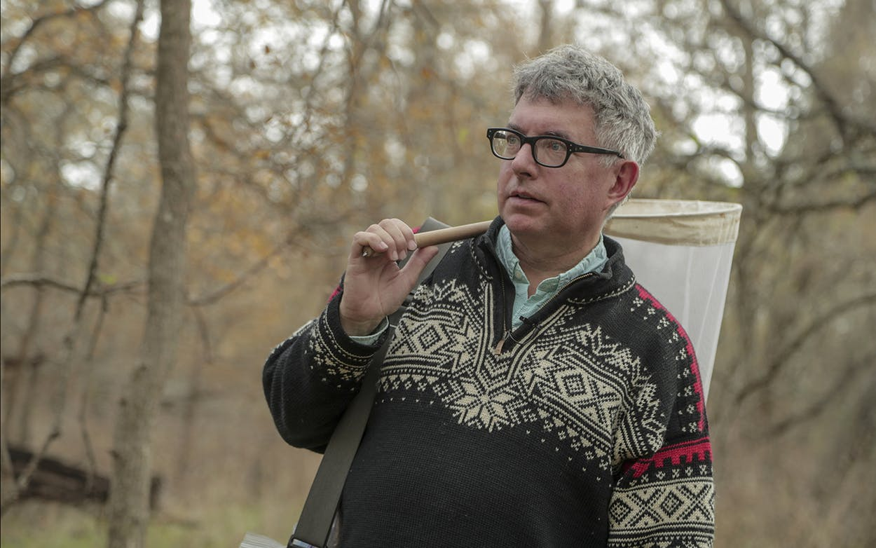 Mark-Dion-collecting-specimens-in-Marion-Texas-November-2019