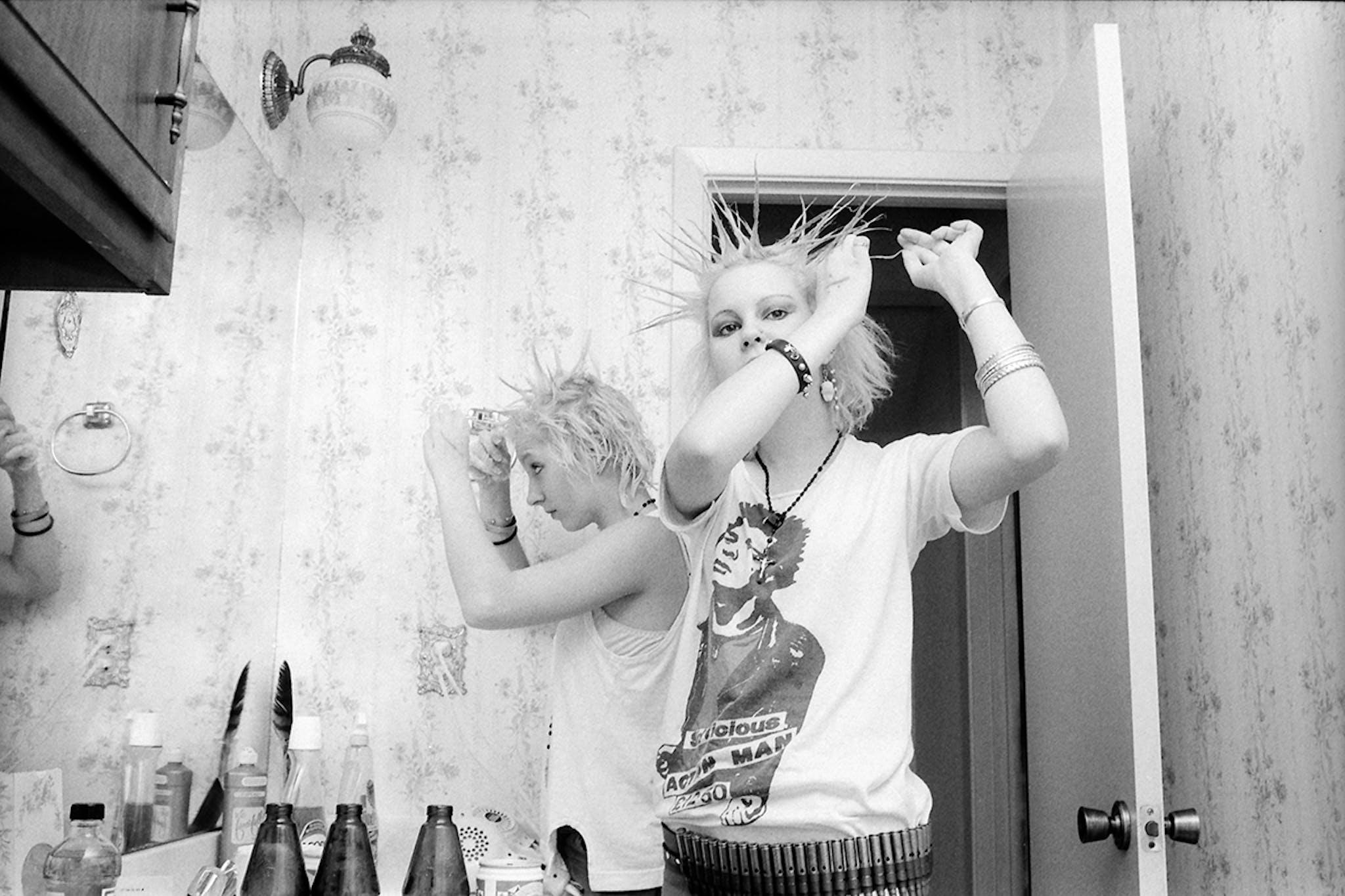 lynda-stuart-in-her-room-texas-punk