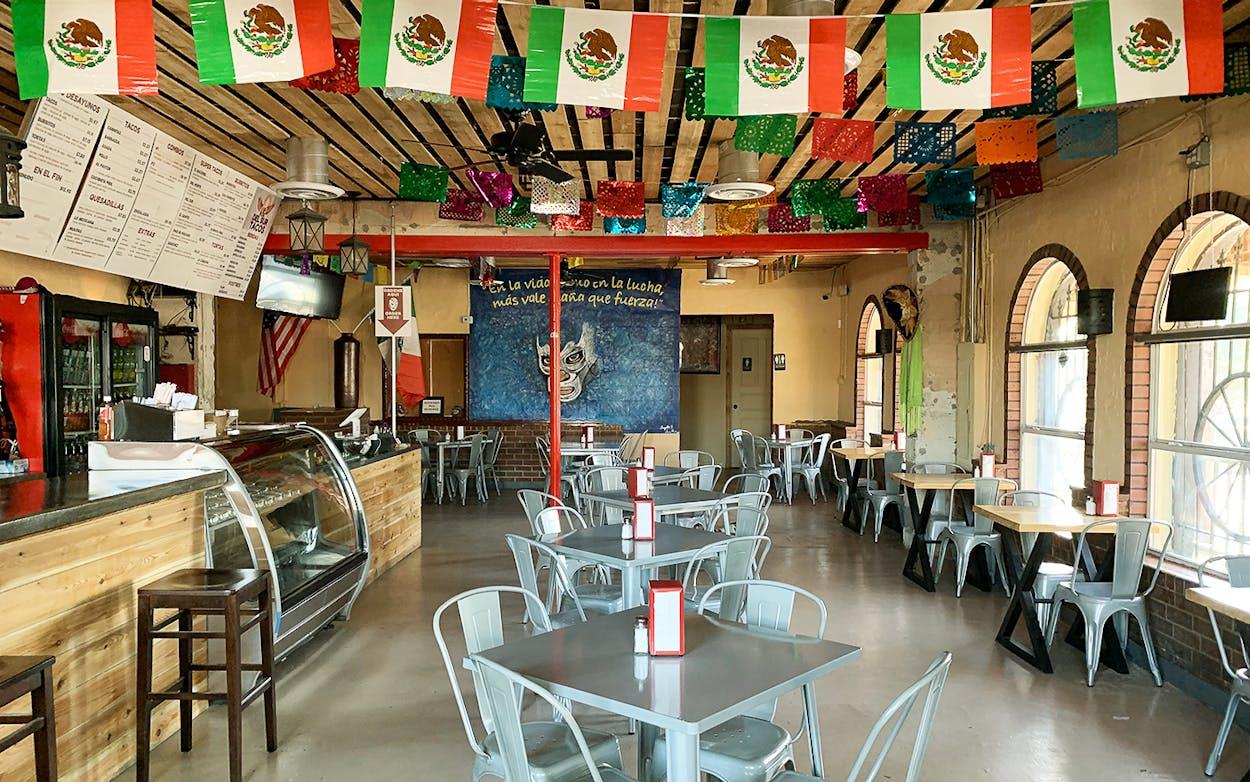 Taco-News-Del-Sur-closed-Interior-shot-1