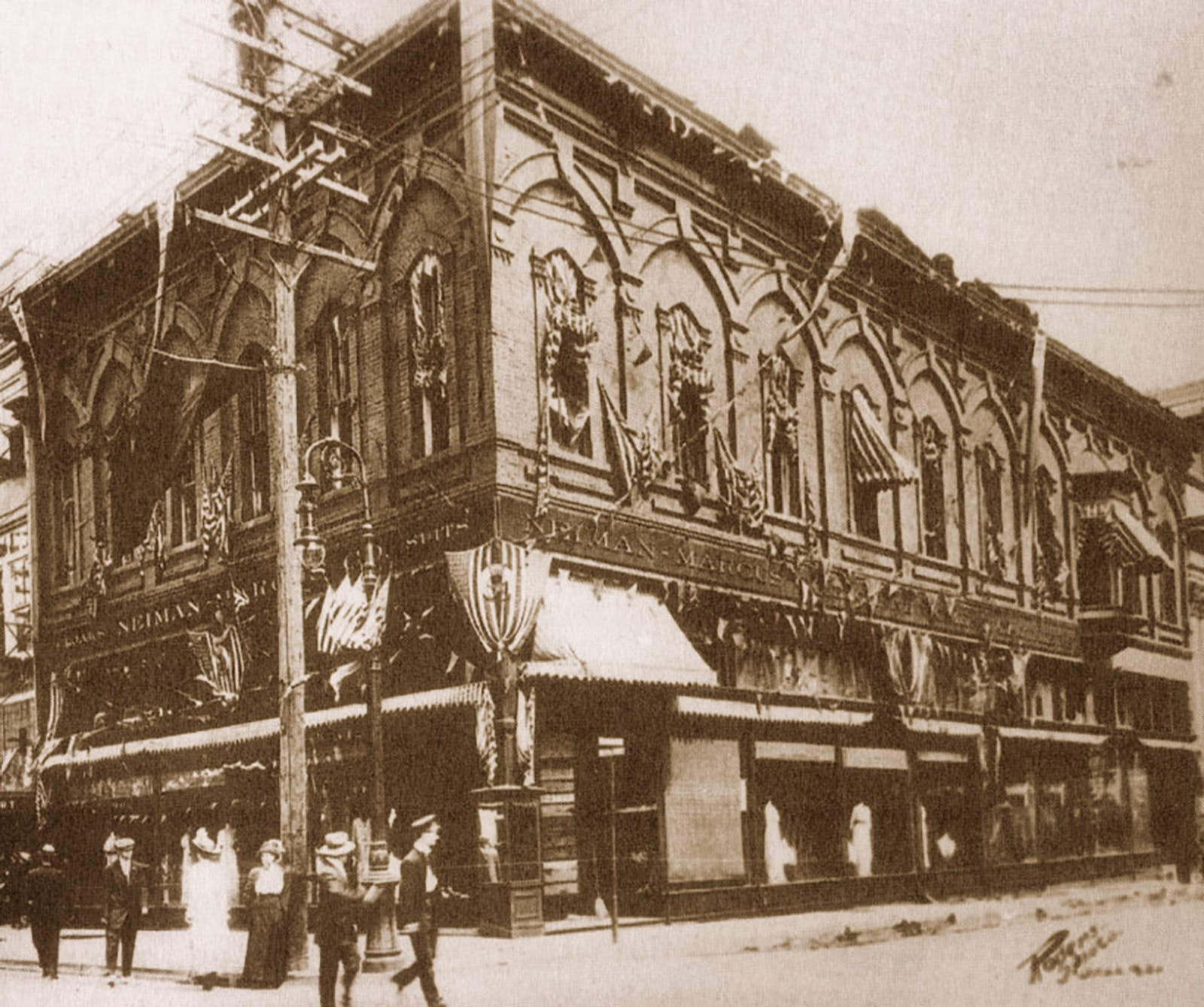original-neiman-marcus-store-on-elm-street