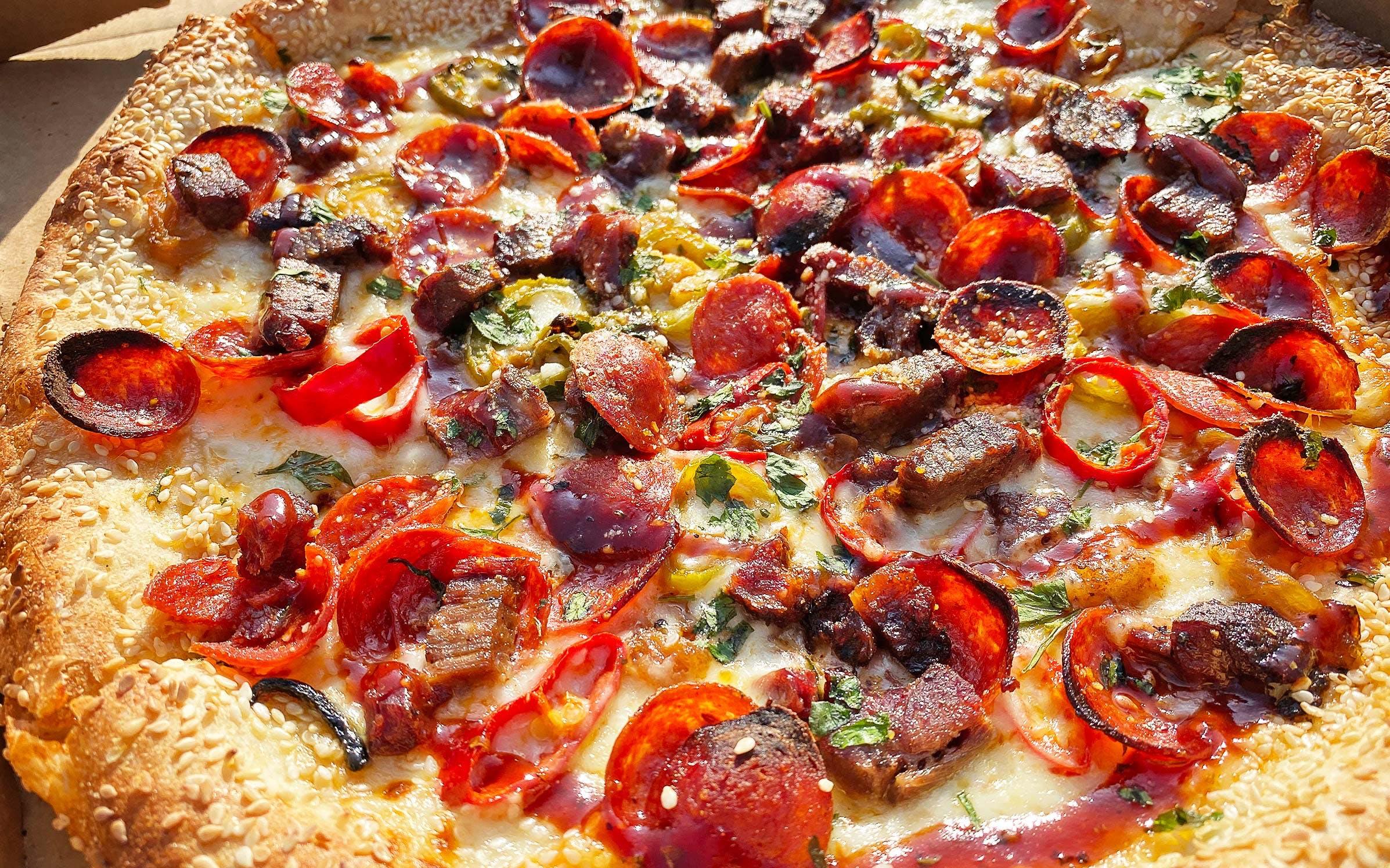 zolis brisket pizza
