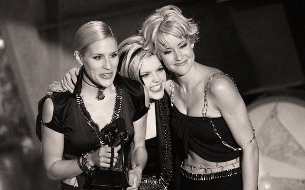 dixie-chicks-change-name-the-chicks