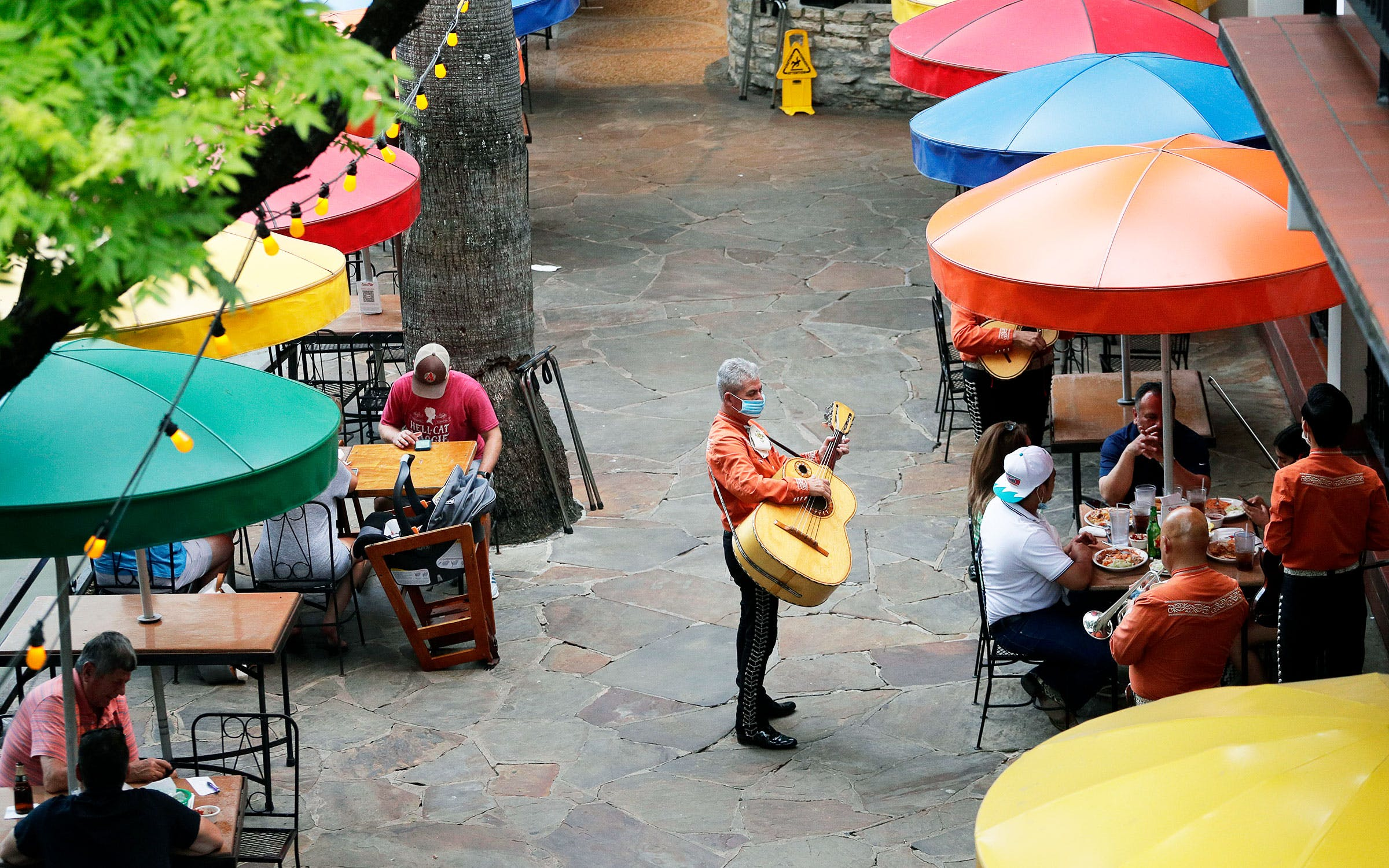 mariachi band in san antonio texas river walk