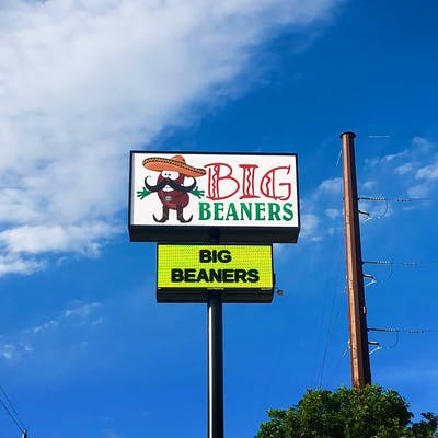 """Sign that reads """"Big Beaners"""" in Amarillo, Texas"""