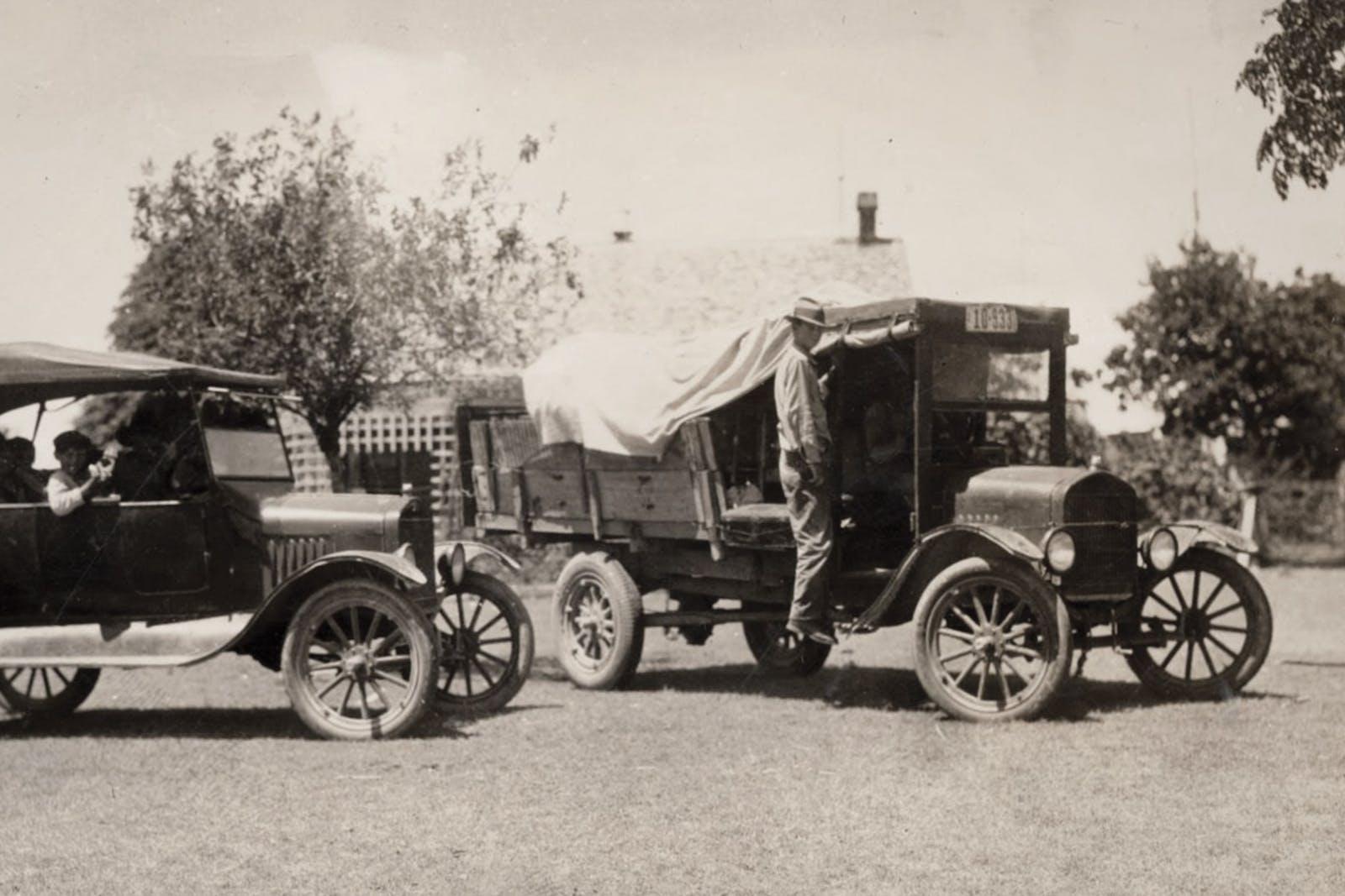 Cedar choppers in Austin in the early twentieth century.