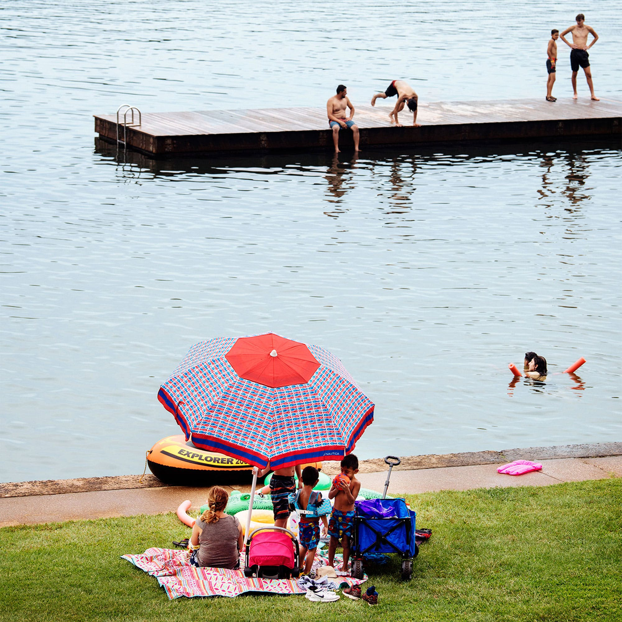 Carefree park-goers enjoying the lake pre-pandemic, in August 2019.