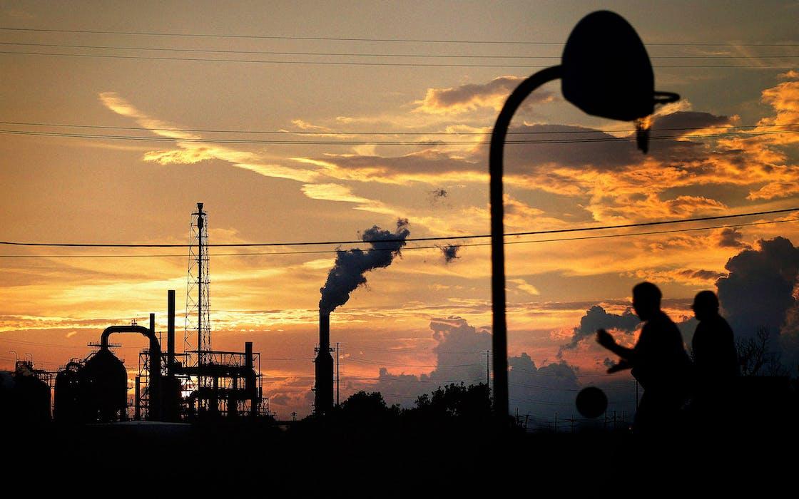 port-arthur-refinery-emmission