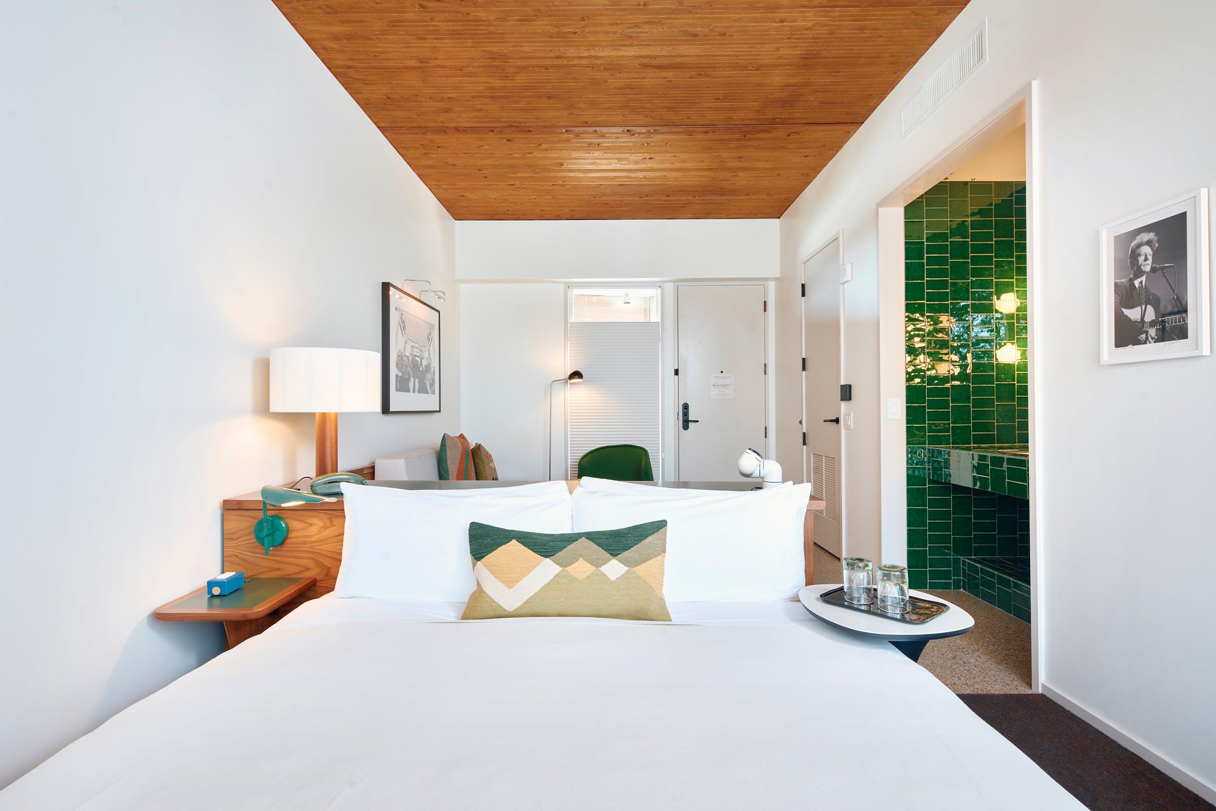 hotel-magdalena-green-room