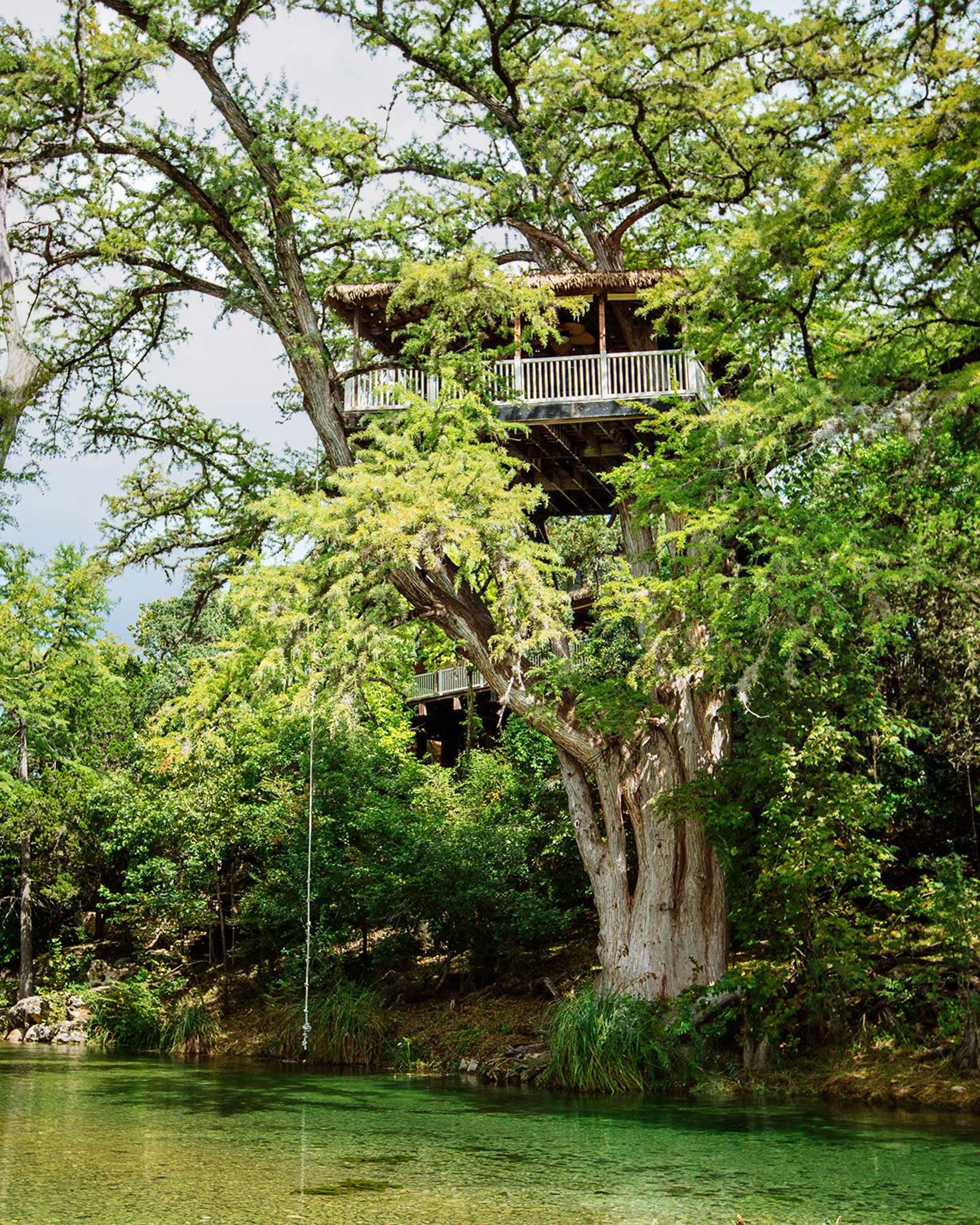treehouse-rentals-frio-treetop