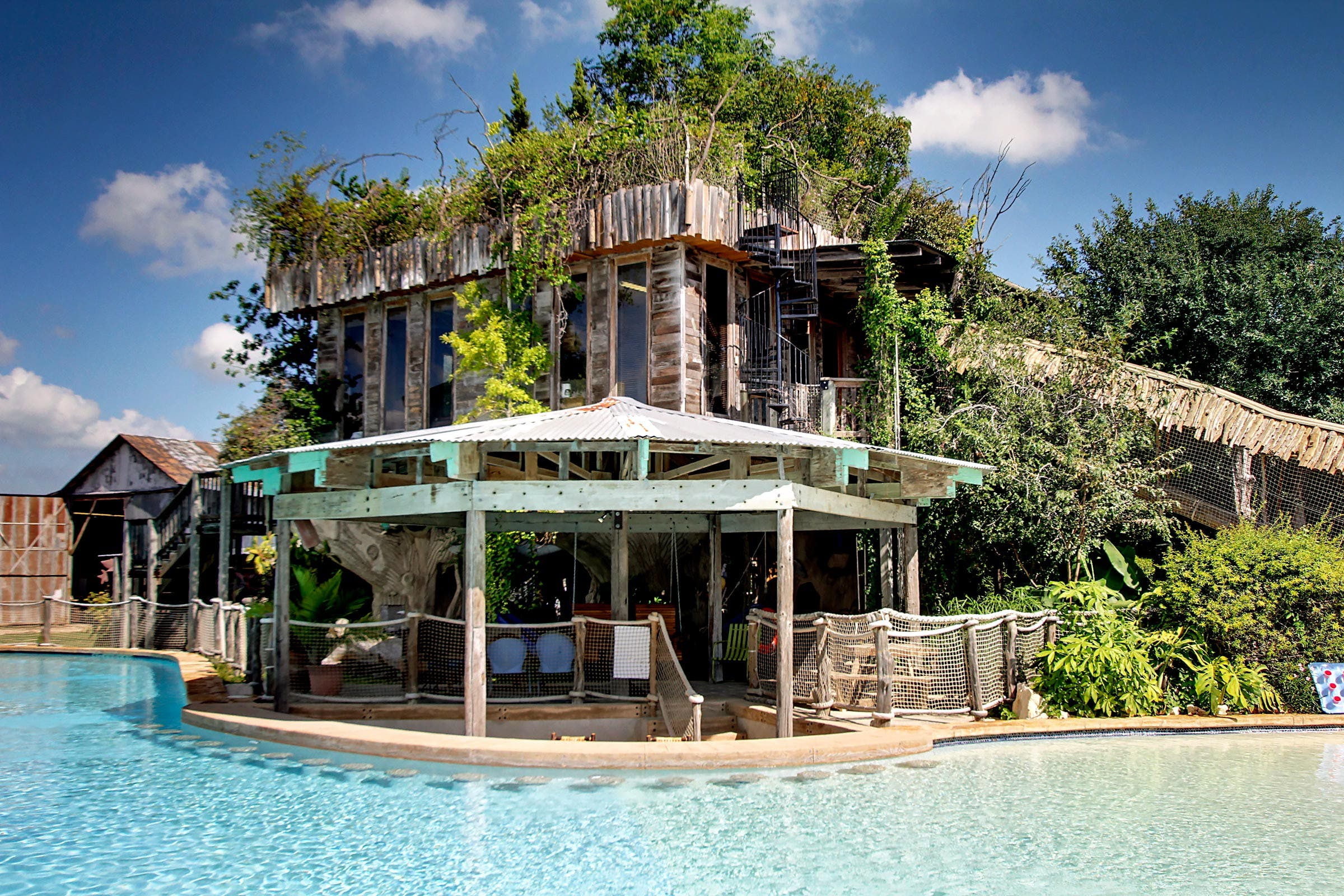 treehouse-stays-guadalupe-river-houses